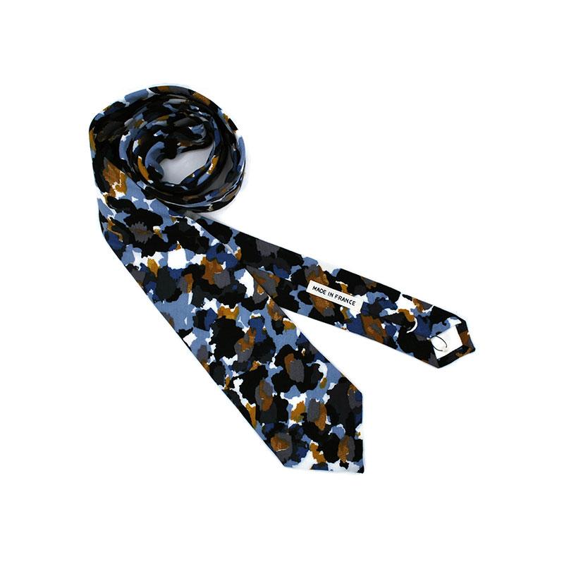Voici la cravate Graou de la brigade du noeud.