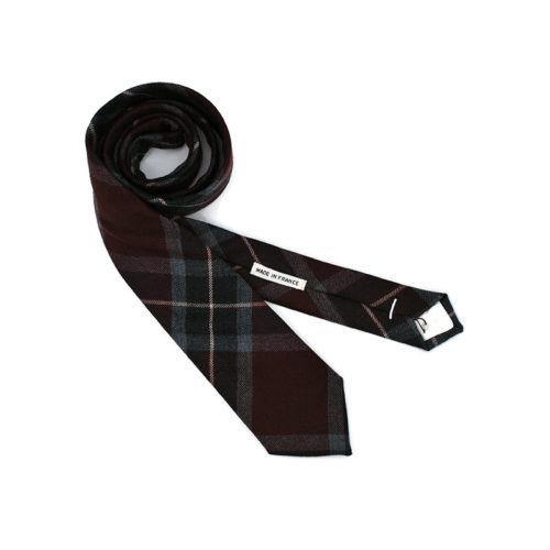 Voici la cravate le talentueux Mr P. de la brigade du noeud.
