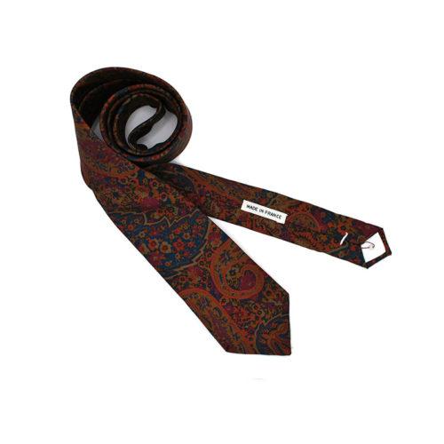 Voici la cravate Papi Style de la brigade du noeud.