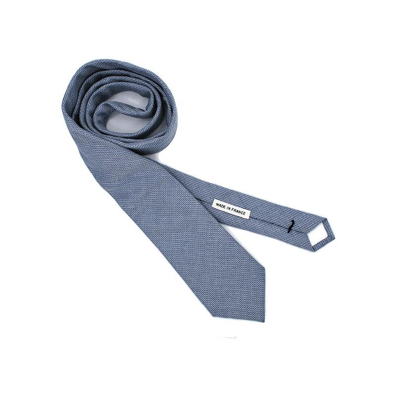 Voici la cravate Quartier Latin de la brigade du noeud.