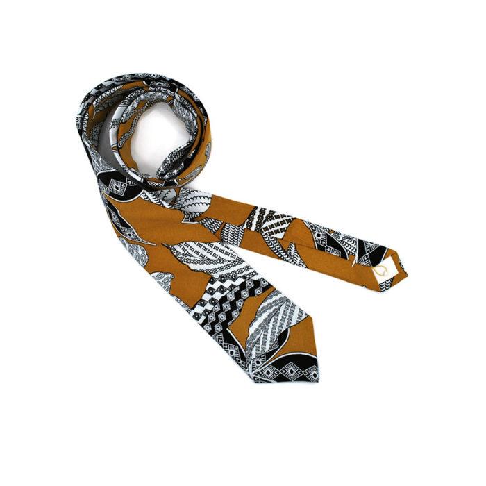 Voici la cravate Volte Face jaune de la brigade du noeud.