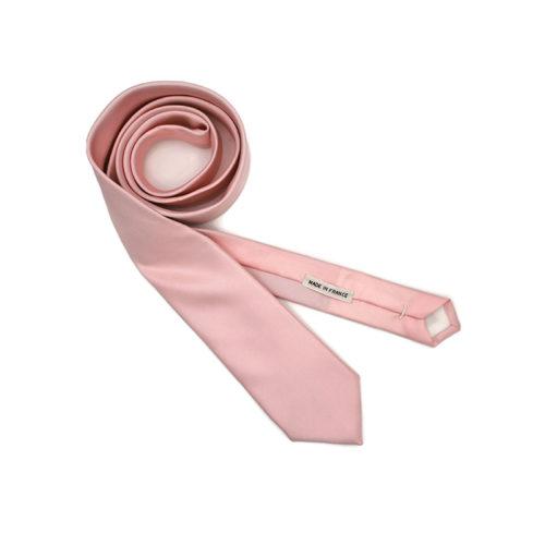 Voici la cravate Fleurs de Cerisier de la Brigade du Noeud.