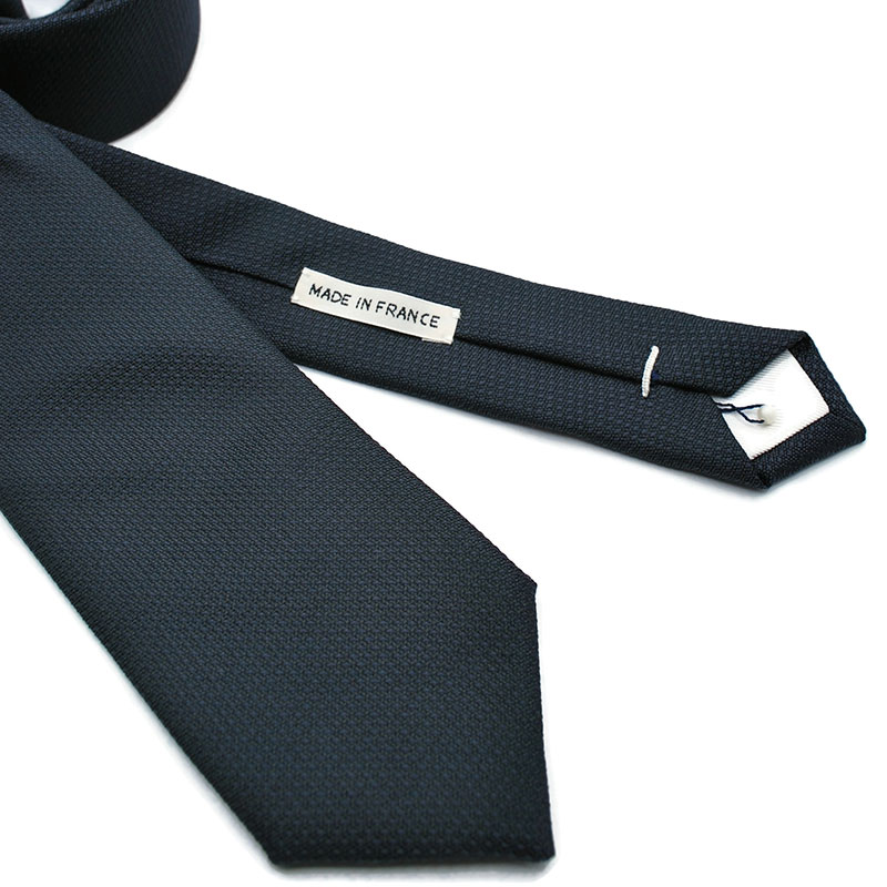 Voici en détail la cravate Illusion de la Brigade du Noeud.