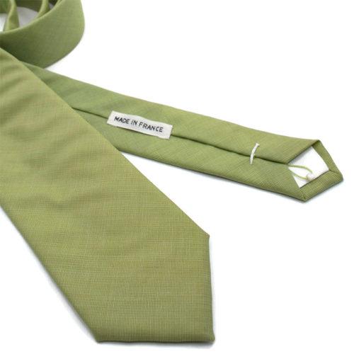 Voici en détail la cravate Tendre sauge de la Brigade du Noeud.
